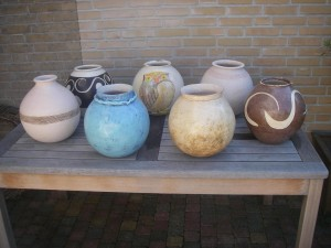Paulien Hakkert keramiek Vazen op een kluitje